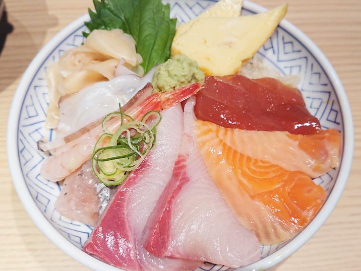 鮨・酒・肴 杉玉の本日の海鮮丼